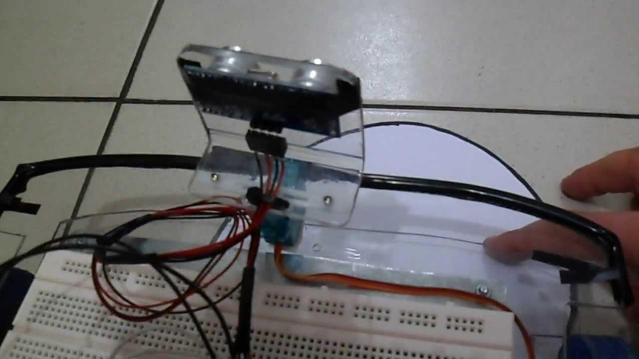 Robot arduino ultrasonico evade obstáculos y busca