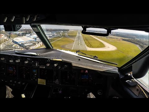 Boeing 737-800 Cockpit Landing at Brussels Charleroi
