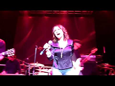 The Warrior - Patty Smyth And Scandal At The Pat DiNizio Tribute Show