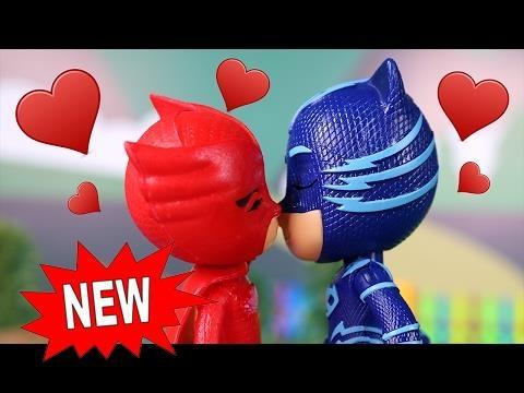 #PJ Masks Juguetes en Español #4 ⚡Gatuno y Buhíta enamorados