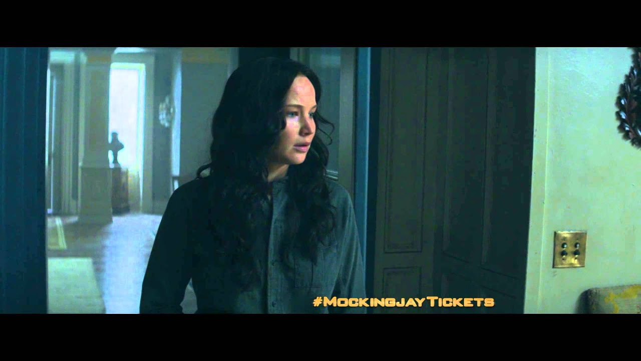 Jennifer Lawrence Copes With Uninvited Guests in the Creepy First Trailer for ...