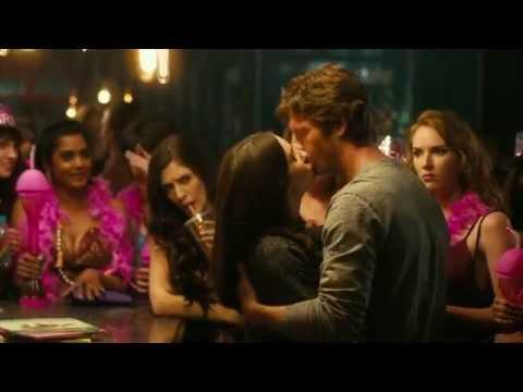 How to Be Single : Dakota Johnson kissing Anders Holm