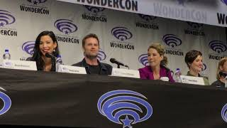 Fear The Walking Dead Panel WonderCon 2019 Alycia Debnam-Carey Jenna Elfman Maggie Grace Lonnie J