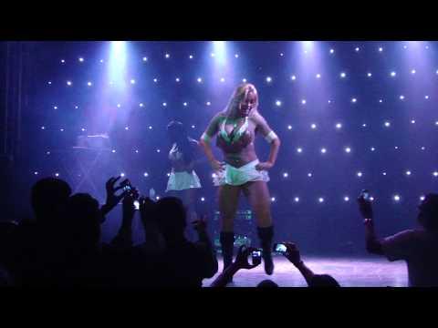 As Tigresas do Funk - Apresentação Tigresa Sheyla Mell