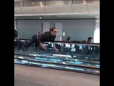 The Woody Show - How to Correctly Use Airport People Movers