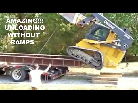 Amazing!!! Unloading without ramps.