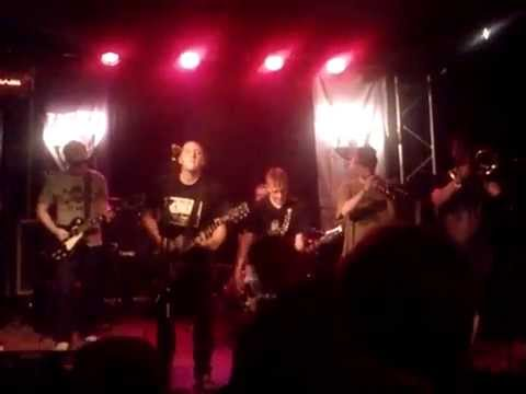 Skankshot - Alerta Antifascista (live @ Tommyhaus, Berlin 2012)