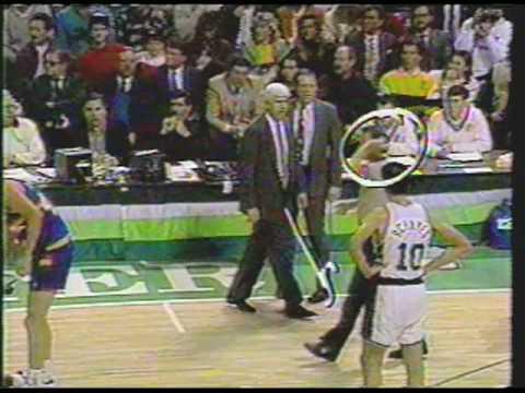 Del Harris sets pick on Adams, 1991