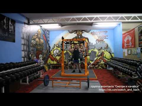 The Worlds Best Powerlifters training at Slaughterhouse Gym