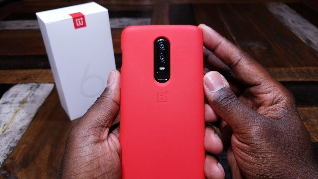 new styles f58d9 df24c OnePlus 6: Red Silicone case