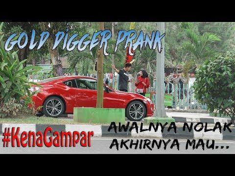 """PRANK CEWE MATREK GONE WRONG?! *Sampe Kena Tampar* """"Gold Digger Prank Indonesia"""""""