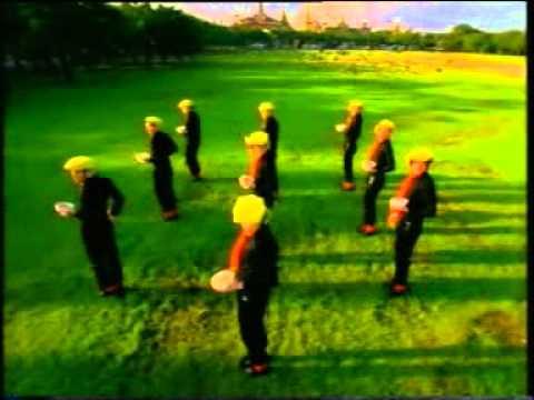 TVC มาม่าหมูต้มยำ 2001 เต้น ชาย