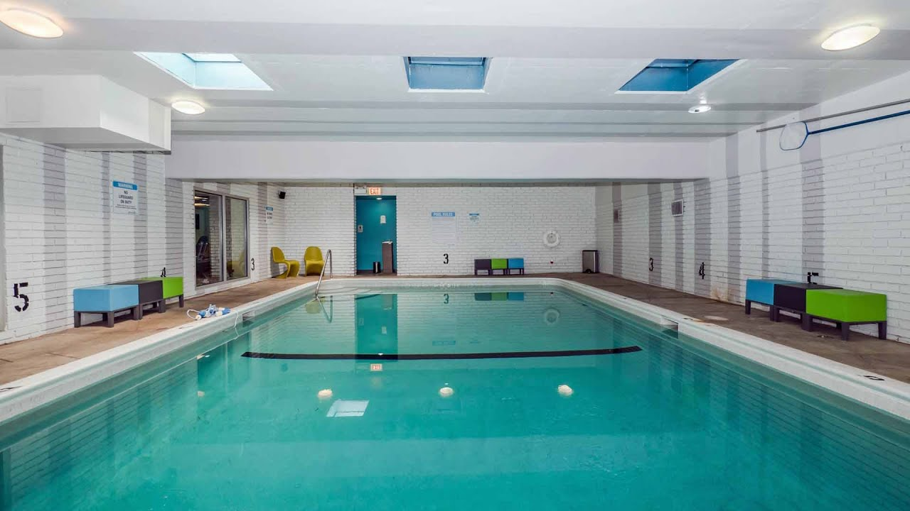 Stylish Lakeview Apartments With An Indoor Pool And Parking