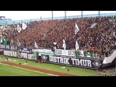 (HQ '15) World's best football fans mash-up