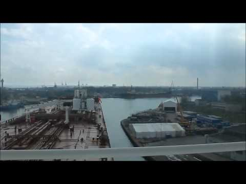 Shuttle tanker Gdansk.mp4