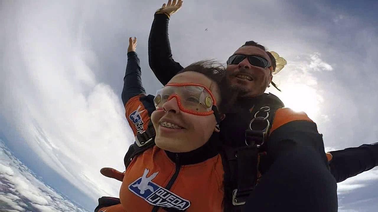 Salto de Paraquedas da Joana na Queda Livre Paraquedismo 25 01 2017