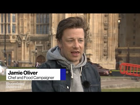 Celebrity Chef Jamie Oliver Hails U.K. Sugar Tax as 'Logic'