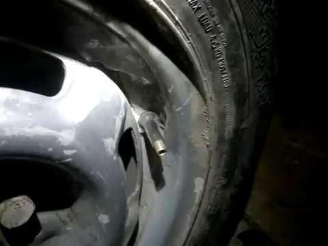 Как заменить ниппель без разбартовки колеса.