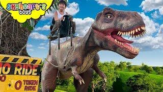 Skyheart RIDES A T-REX! Dinosaur Safari Jurassic World raptors dinos