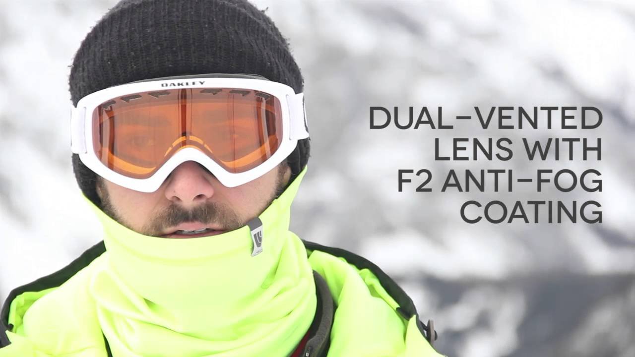 Oakley OO7048 O2 XS Goggles Review | SmartBuyGlasses - YouTube