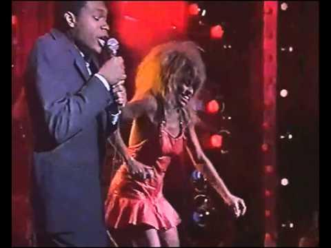 Tina Turner Duet with Robert Cray   634 5789 Live
