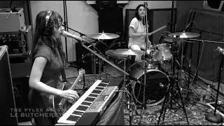 Le Butcherettes - strong/ENOUGH (live for The Pyles Sessions)