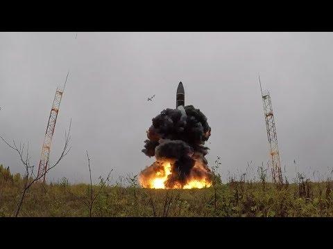 Испытательный пуск межконтинентальной баллистической ракеты «Тополь-М» на космодроме Плесецк