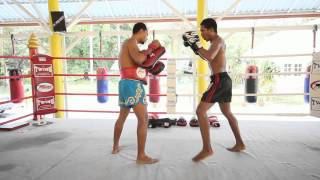 Five basic Muay Thai attack combinations opening with punches
