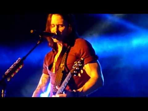 Alter Bridge 'Crows On A Wire' LIVE O2 Arena 24/11/2016