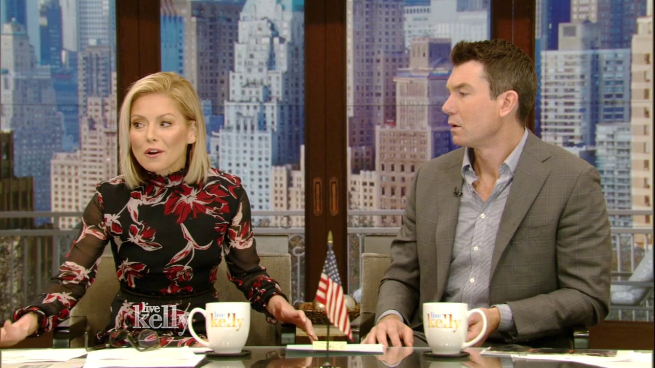Kelly Ripa and Mark Consuelos need to lock their door