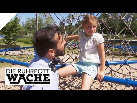 Schock für Polizei: Kind hat Drogen im Gepäck!   TEIL 1/2   Die Ruhrpottwache   SAT.1 TV