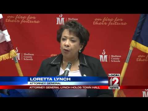 Attorney General Lynch visits Ky. high school to talk about heroin epidemic