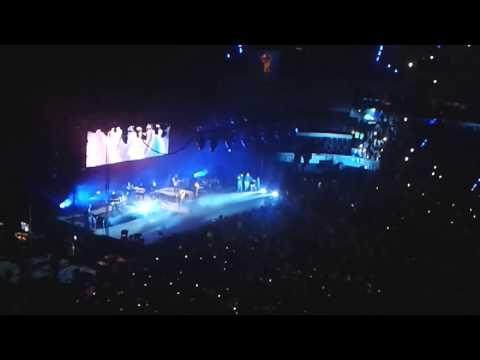 Demi Lovato-Heart Attack (Arena Ciudad de Mexico) The Neon Lights 2014