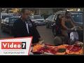 بالفيديو .. نقل مريضة على سرير متحرك لمركز السموم بالمنيل وسط السيارات
