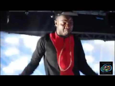 Franko Coller la petite en concert live a Abidjan
