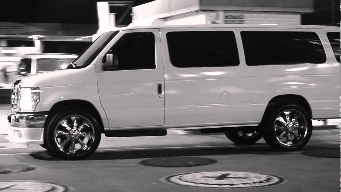 Ford E350 Van >> FORD E350 6.8L V10 ON 22's - YouTube