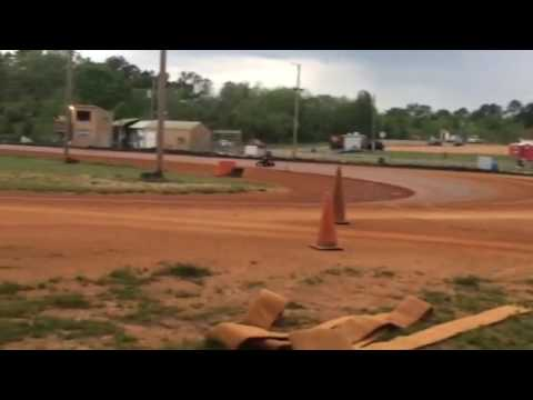 Kayla running in Blue Plate with Lance at Dawgwood Speedway 4-22-17
