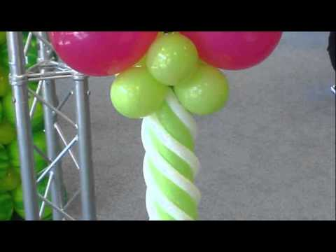 Flower balloon decoration youtube for Balloon decoration ideas youtube