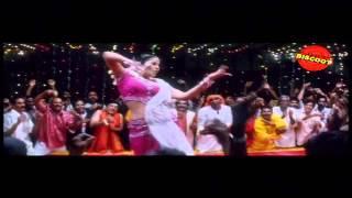''Paadanathenthe'' | Seetha (2011) | Erotizm Film Şarkılar MM Sreelekha Müzik |