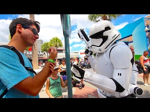 I GOT ARRESTED at Star Wars Launch Bay   DCP 2016