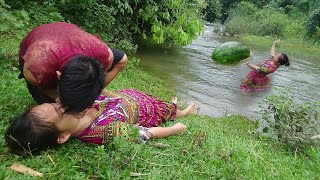 Primitive life : Boy rescued girl's who swept away floodwaters and meet watermelon for eat