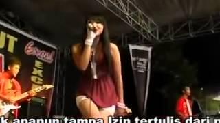 Download Video Dangdut hot kelihatan celana dalam MP3 3GP MP4