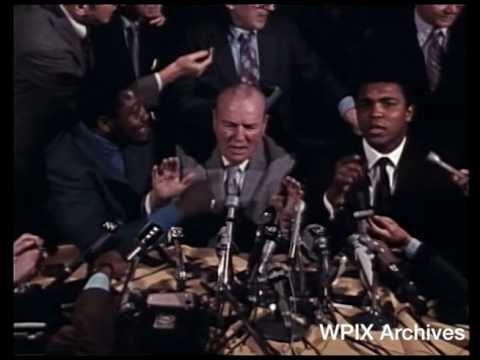 Muhammad Ali and Joe Frazier talk trash in 1971 press conference before 'Fight of the Century'