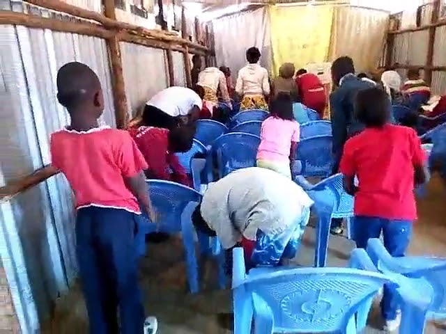 Kibera Slum Kenya Children Signing