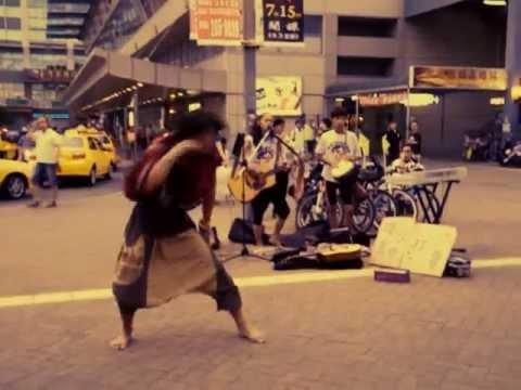 呂帥鋒--[舞吉囝仔零元環島]第九天台南高雄車站   搭配小草現代舞表演