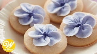 How to Pipe a Basic 5 Petal Flower | Wilton
