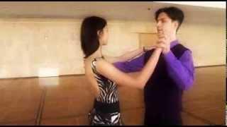 Вальс.mp4(Учим движения вальса, чтобы красиво станцевать на выпускном балу 2012 в Кремле!, 2012-04-23T13:52:34.000Z)