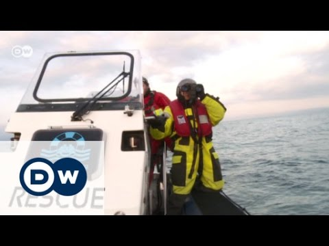 Sea-Watch - Rescuing refugees off Lesbos | DW Reporter
