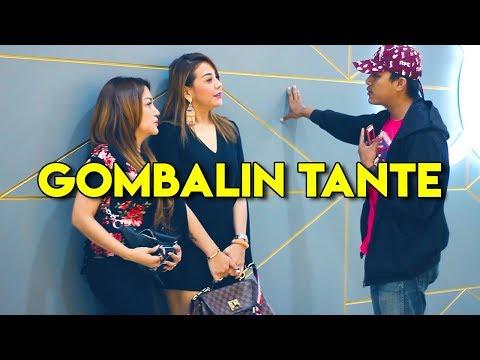 Prank Gombal Part 12 - Ketemu Tante Cantik Di Mall   Awan Kinton - Prank Indonesia thumbnail
