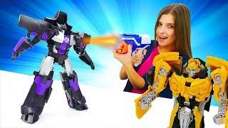 Бен 10 иБамблби вШоу ToyClub! —Автоботы против десептиконов— Видео для детей странсформерами